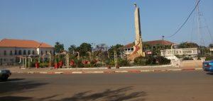 Ecos da Guiné: PAZ!… (no Céu, porque na terra… jazem) .